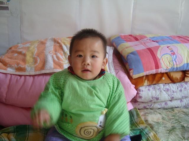 宝宝一周岁照片