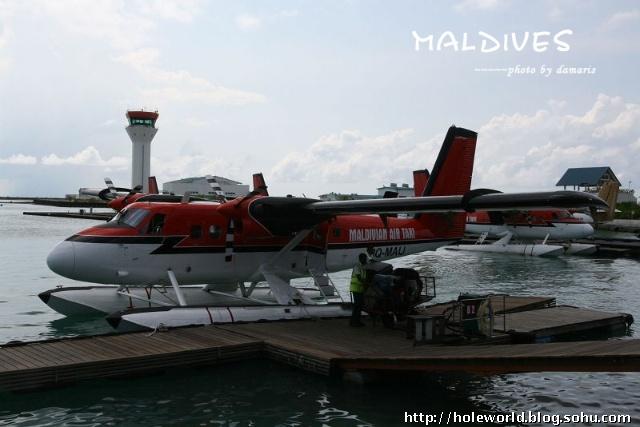 秀秀值得炫耀的水上飞机