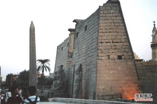 漫游埃及13.守候曾经辉煌的卢克索神庙图片