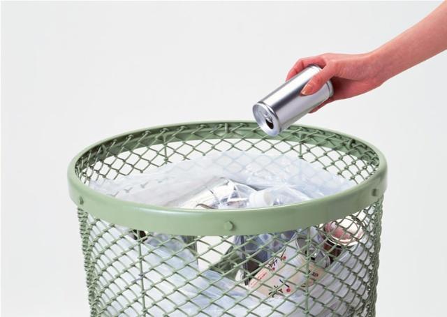 垃圾分类回收系统,使全校产生的饮料塑料瓶