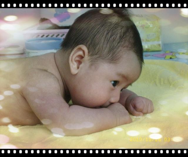 宝宝游泳和抚触步骤图