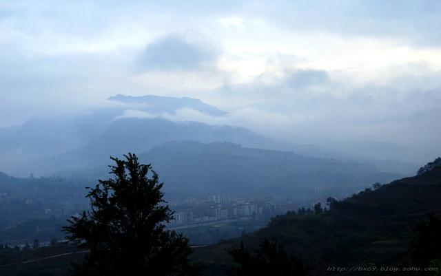 10.15.早晨,达州地区宣汉县南坝镇风景.