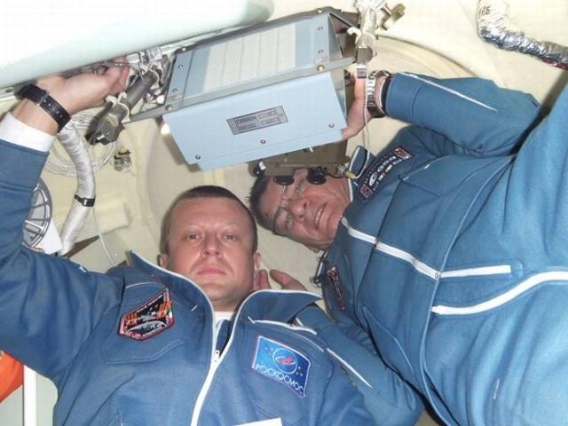 宇航员太空生活照曝光
