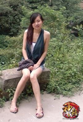 素颜美女大长腿
