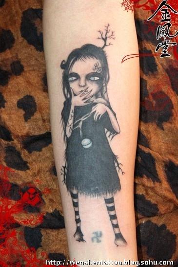 鬼娃娃刺青和帆船纹身图案