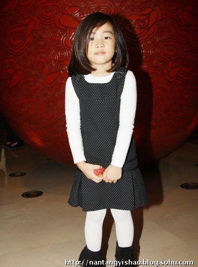 先锋 未发育萝莉,小萝莉的发育,日本萝莉31张发育图图片