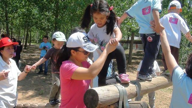快乐而健康的六一儿童节 怀柔生存岛拓展体验成功 小甜甜真棒