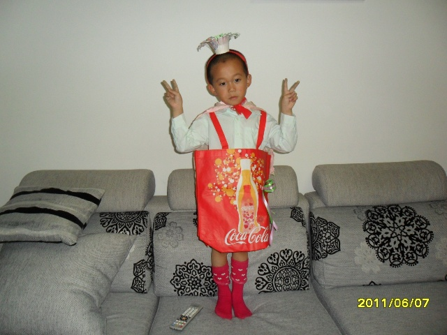 环保袋手工衣服_制作环保衣服 一幅画作-Discover child;discover myself-搜狐博客